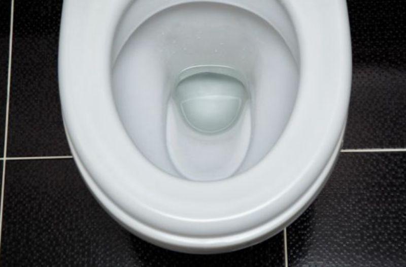 El agua tratada del inodoro es tan segura como cualquier otra fuente de agua potable, aseguran los especialistas./BBC Earth