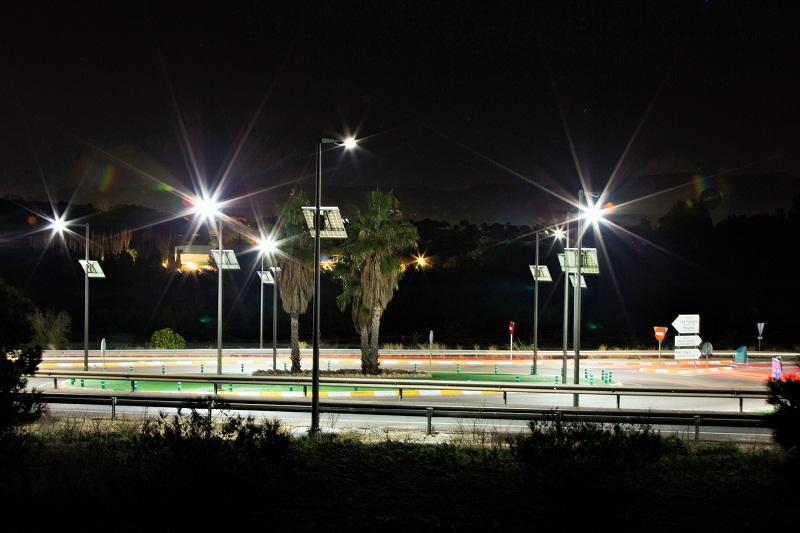 Farolas solares para el alumbrado público