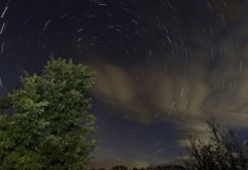 Los escombros de los cometas se estrellan contra la atmósfera más exterior de nuestro planeta y es cuando se produce la lluvia de meteoritos.
