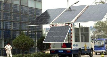 camion-con-panel-solar